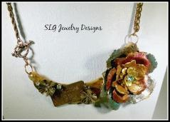 Decopauge Flower Necklace